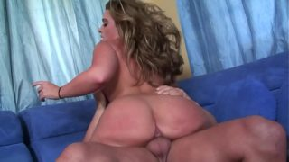 Cheating Wife Big Beautiful Woman Girl Takes the Big Cock of Her Hubby S Workmate at Place