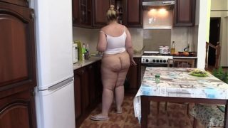 Hidden Camera in the Kitchen Spies on a Fat Girl in Every Day Life. Chubby With a Juicy Pawg Without Panties Prepares a Salad. Home Made Fetish.